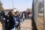 Largas filas se registraron en Maipú en demanda de la vacuna Pfizer